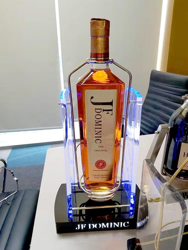 马来西亚客户led发光酒座定制案例